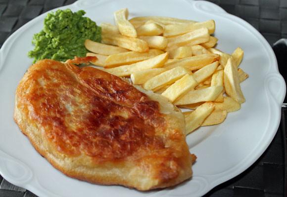Backfisch á la Jamie mit Pommes Frites & Erbsenpüree