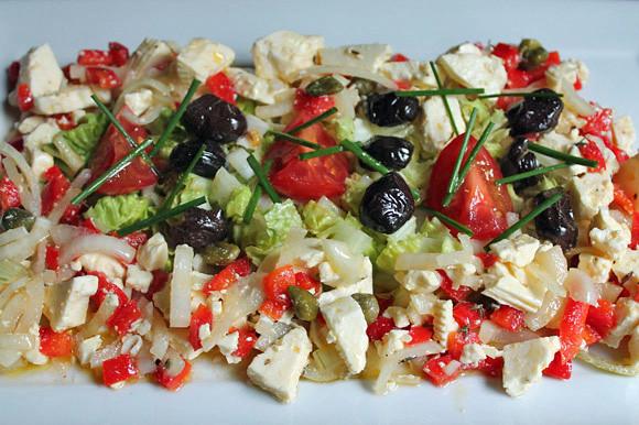 Marinierter Schafskäse zu Salat mit Malzbiersauce