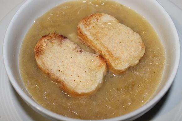 Französische Zwiebelsuppe nach Paul Bocuse