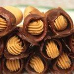 Honigröllchen mit Karamellcreme
