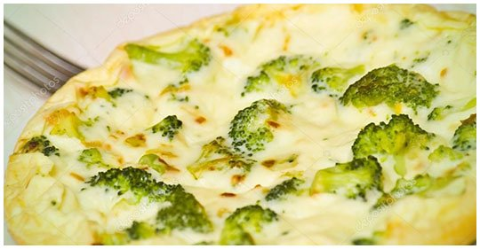 Low Carb Brokkoli-Omelette mit Käse